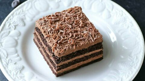 Prajitura Nero cu mousse de ciocolata si foi de casa cu cacao