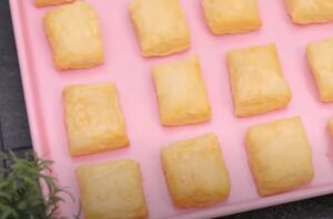 prajitura cu crema de vanilie si foietaj, simpla si rapida