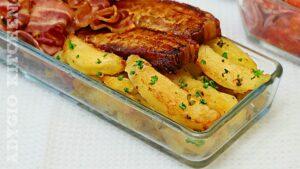 Cartofi la cuptor picurati cu slanina si bacon, reteta de cartofi deliciosi la cuptor