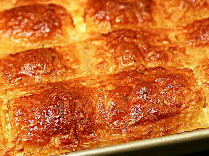 Placinta turceasca cu lapte si branza - reteta turceasca