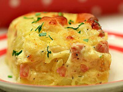 Cartofi gratinati la cuptor cu sunca si cascaval, cei mai buni cartofi gratinati