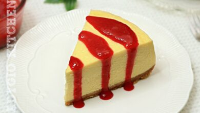 Cheesecake reteta clasica numit cheesecake New York. Un cheesecake neted care nu creapa la suprafata