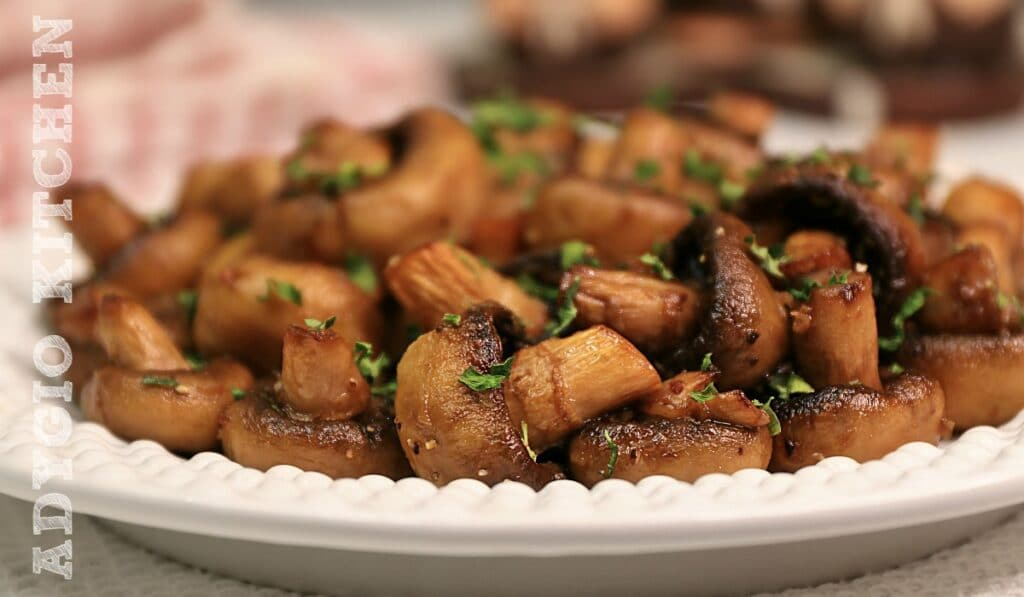 Ciuperci la cuptor reteta simpla cu usturoi