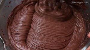 Crema de ciocolata pentru tortul de ciocolata