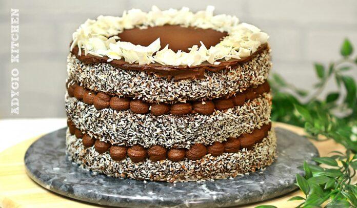 Tort tavalit cu nuca de cocos, un tort delicios cu crema de ciocolata, sos de ciocolata si blat de vanilie tavalit adygio kitchen