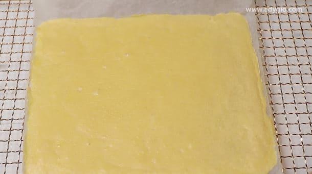 Blatul cu parmezan pentru prajitura sarata