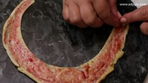 Tort de clatite margini de clatite unse cu dulceata
